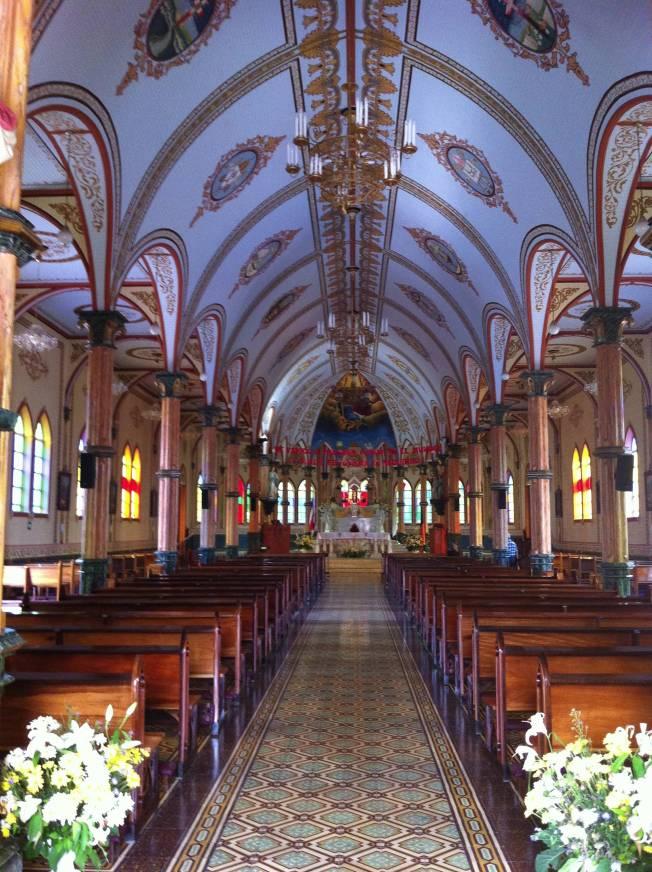 Interior de la Iglesia de Zarcedo. Costa Rica
