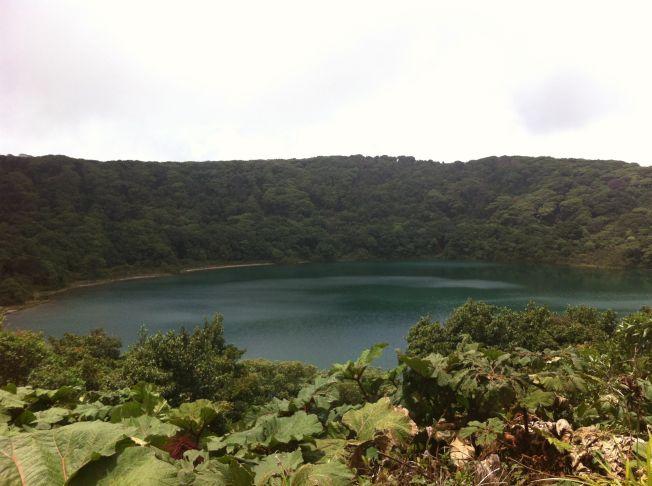 Laguna Botos en el Parque del Volcán Poás. Costa Rica