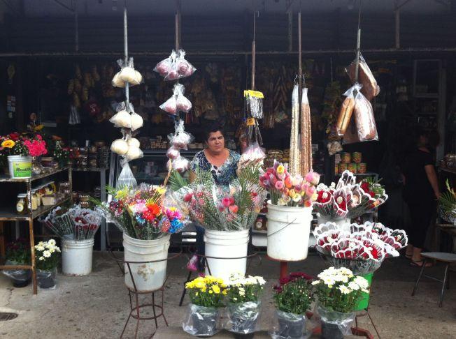 Vendedores de Naranjo a Zarcedo. Costa Rica